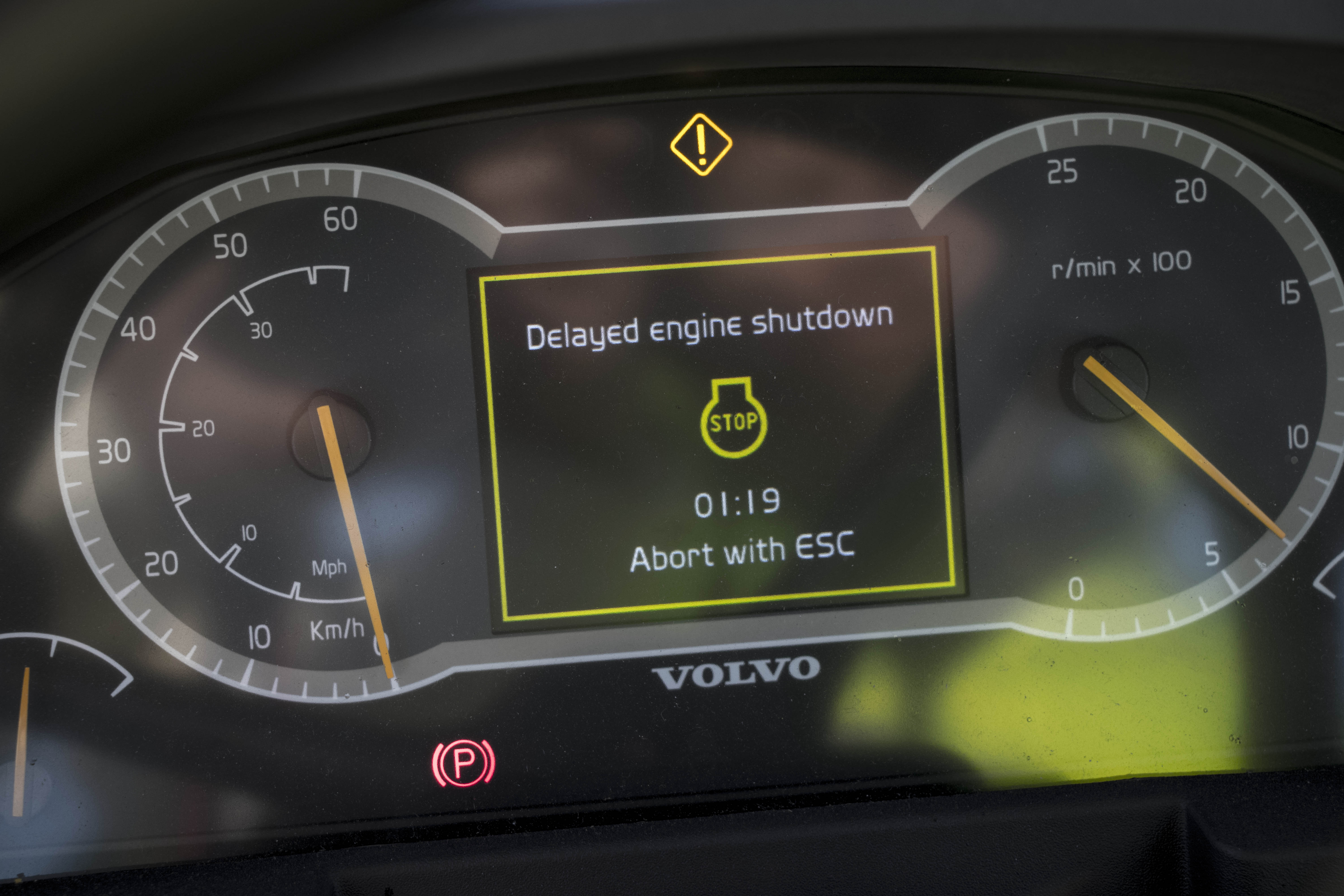 Volvo front end loader delayed auto shutdown timer